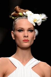 fiori-sui-capelli-issa-london