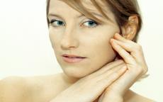 cattive abitudini che rovinano la pelle anteprima