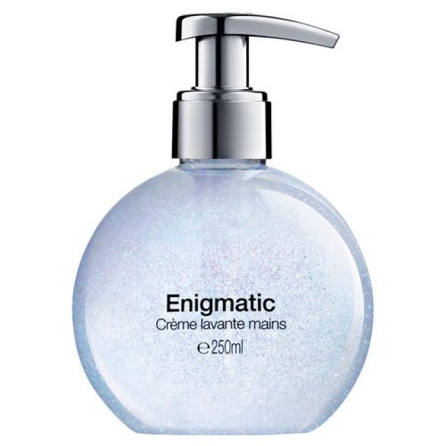 cr-me-lavante-mains-enigmatic.640.32901