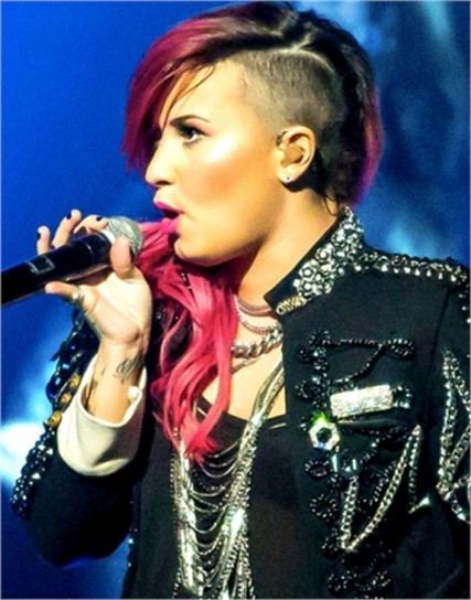 demi-lovato-look-punk