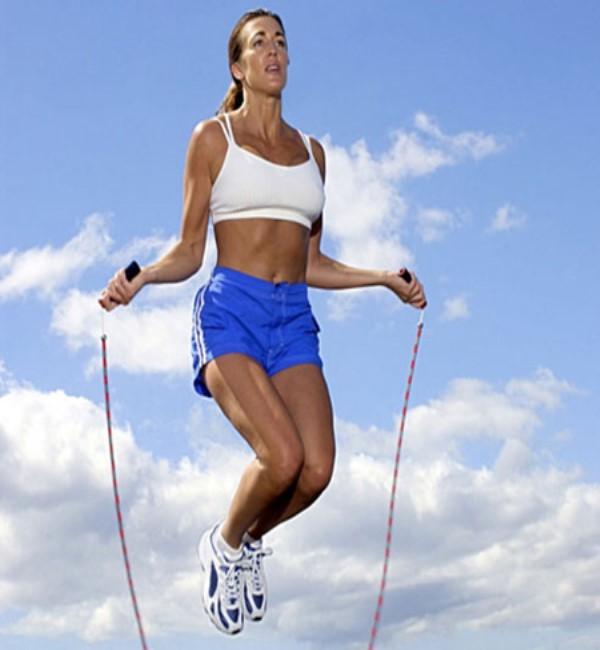 Dimagrire saltando con la corda
